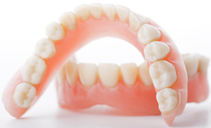 Rialto family dentist | dentures, missing teeth replacements| Rialto Family Dental Center